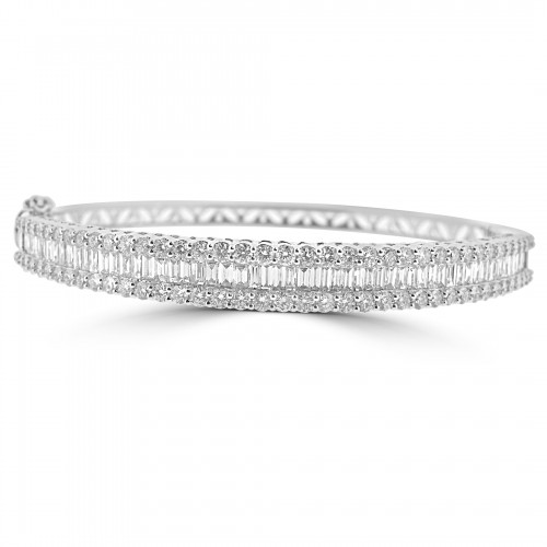 18W 56x Bag Dia 2.18ct w/ 78x RBC Dia 2.34ct Octavia RBC On Top Bag In the Centre Eternity Bangle
